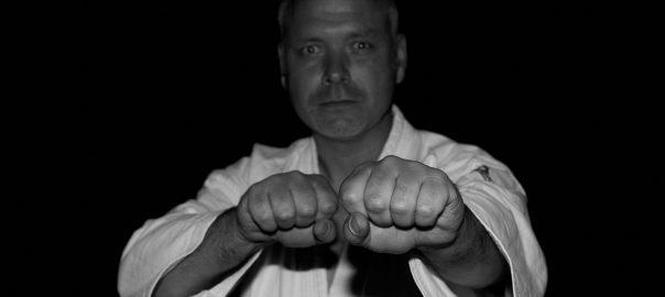 Versicherungsschutz für (Kampfsport-) Trainer und (Selbstverteidigungs-) Kursleiter